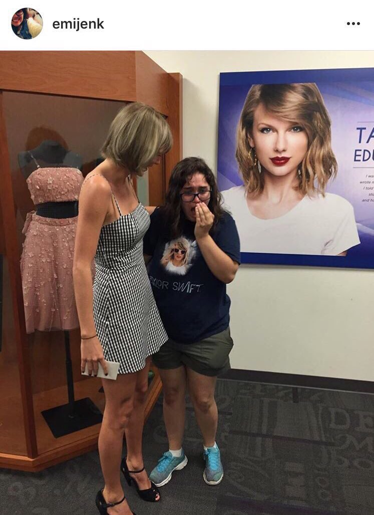 Taylor Swift is making the rounds in Nashville this week! https://t.co/4GZwl7YxHc