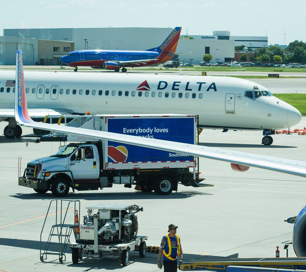Southwest Airlines pushes back against Delta's