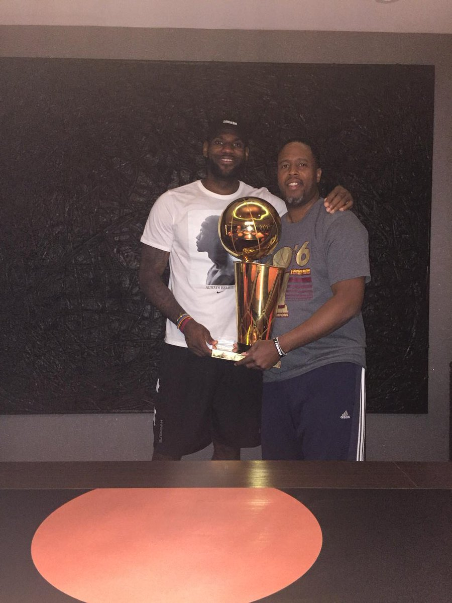 WE didn't get it done in 2007 as teammates but GOD blessed us with another opportunity and WE did it #CHAMPS #RWTW https://t.co/k32ERzQsXS