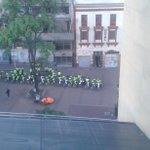 Trabajadores de ETB denuncian que policía se tomó edificio de la empresa. @AlejandraWil16 @Atelca_etb @SindicatoETB https://t.co/sUpUBfQE7s
