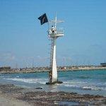 #VeranoSeguro Banderas negras: indican que la playa se encuentra clausurada, suponiendo grave riesgo para la salud https://t.co/Rd0VMwXj1B