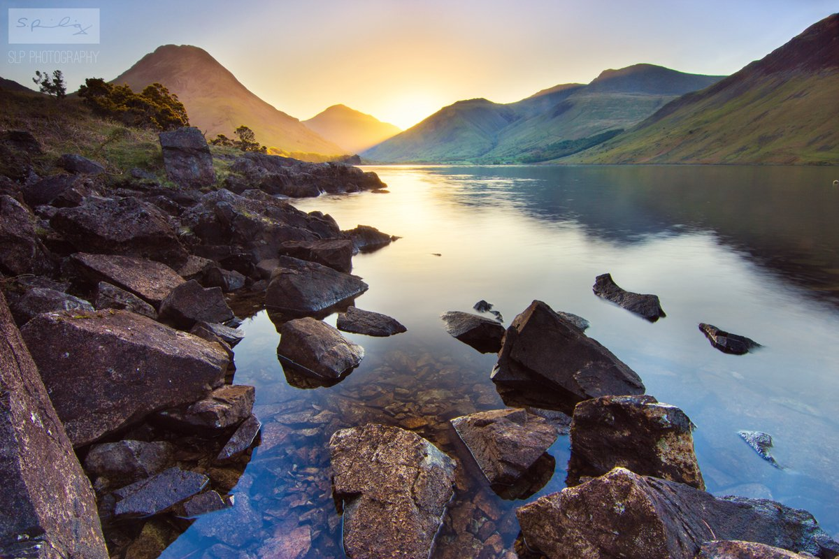 A stunning image of the #LakeDistrict courtesy of @Photography_SLP. #Travel https://t.co/y0dClb1rgz
