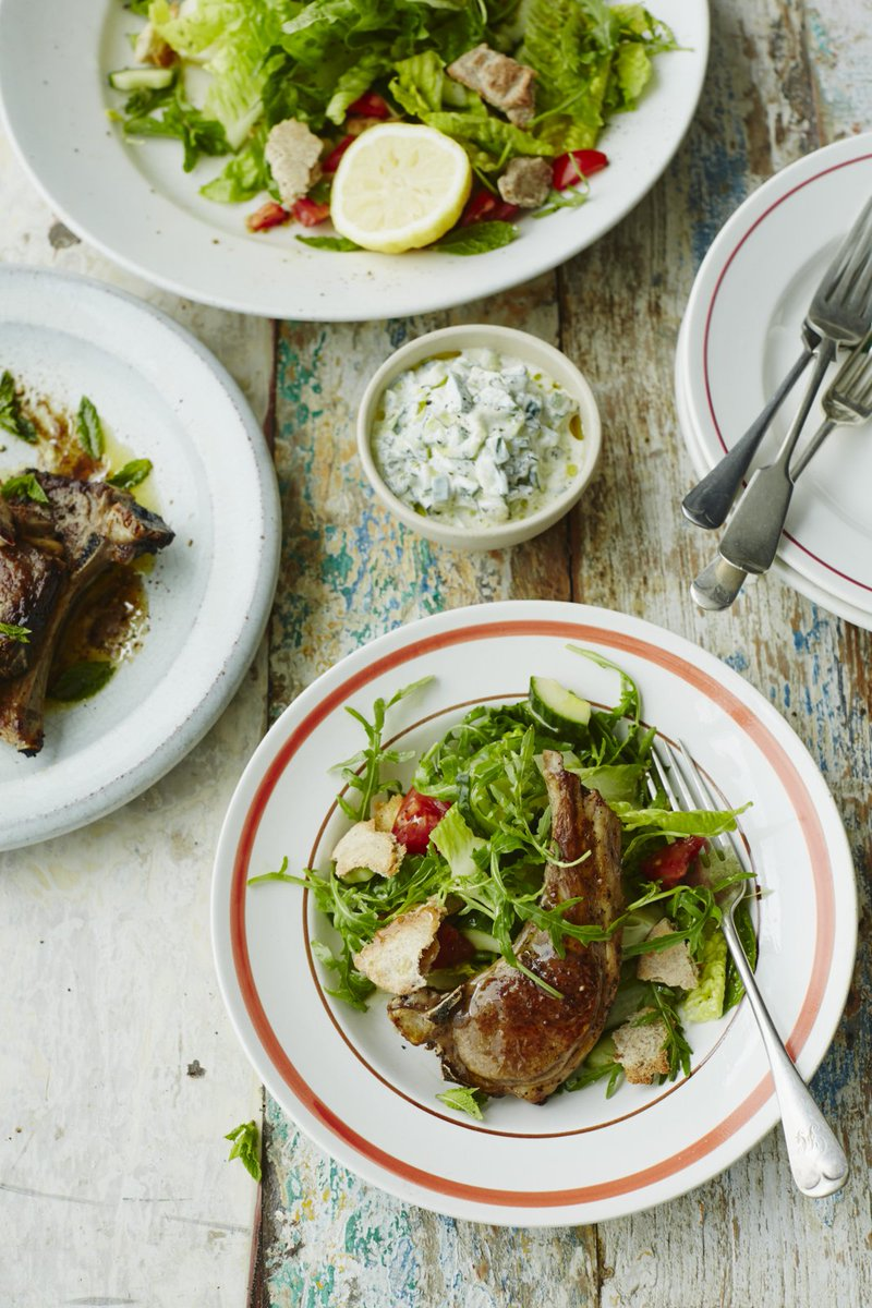 Switch up your usual Sunday roast for juicy, marinated lamb chops: https://t.co/0qSDEzr7gk #RecipeOfTheDay https://t.co/eSZ6TA9DIe