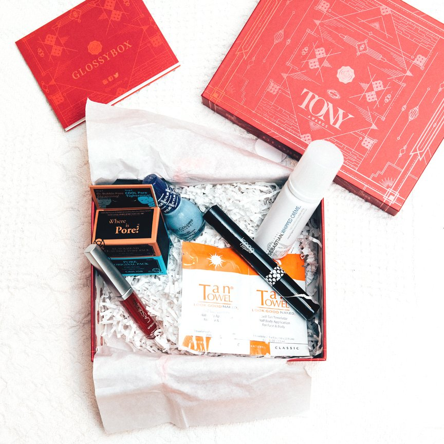 Follow @GLOSSYBOX_US and retweet to enter to win this special edition Glossybox! #ccfreebiefriday https://t.co/tK7HWyA0l3