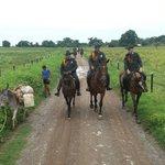 Continuamos con el patrullaje a????????????????por zona rural de la Vereda Las Camorras del municipio de #SanBernardoDelViento???????? https://t.co/q3cMxCz2st