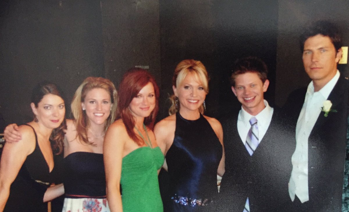 Can't wait to hug my One Tree Hill buds!!! @Inside_OTH https://t.co/edpMNBNETw