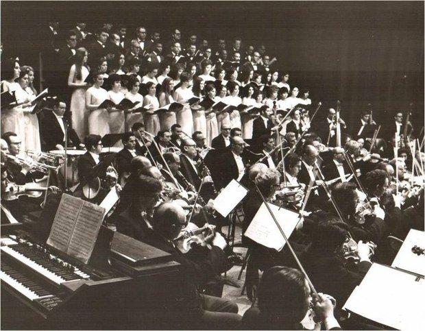 #TalDíaComoHoy de 1930 debuta la Orquesta Sinfónica de Venezuela fundada por el Maestro Vicente Emilio Sojo https://t.co/dND2ll5D5u