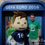 Die #Werder-Fans sind bei der #EURO2016 auch am Start. Viel Glück dem @DFB_Team für #GERSVK, live um 18 Uhr im @ZDF https://t.co/VxPdmIbaAs