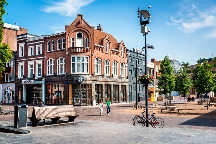 Turn that FridayFeeling into a FridayStealin'! Flights to Eindhoven for €9.99 in Oct.