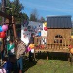 """Vázquez visita Caif de San Gregorio, """"Mojarritas del Hum"""". Abrió hace un año. Atiende a 50 niños. https://t.co/SPSkM9OXqZ"""