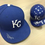 Hey #Royals fans! RT to win these two signed items by Paulo Orlando! Winner selected today at 5pm #MyRallyHouse https://t.co/xOiNPTl6ZU