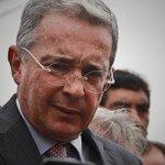 """Uribe, ¿acabaría """"la tiranía de Maduro"""" con paramilitares? https://t.co/ivTcMtxj8S https://t.co/W5IdJNypE1"""