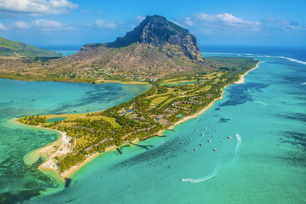 Your ultimate three-minute travel guide to Mauritius, via @bordermail »