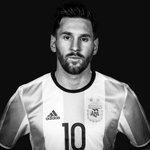 Feliz cumpleaños a el que tanta alegria le da a todo el futbol. 29 años no son nada. Te amo Lionel. https://t.co/8ce3btMmja