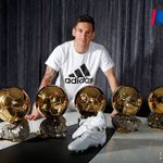 Messi, el hombre de los 5 Balones de Oro: https://t.co/kayD0azJHF #Messi29 https://t.co/EMjPcX81ss