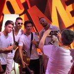 Ed è subito selfie! #Marra #guepequeno #benjiefede #CocaColaSummerFestival https://t.co/Qrs6WKjEiQ