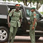 Alleged Coup Plot: Army chief summons commanders to Abuja https://t.co/t4OCqpyJ2J @trafficbutter @cchukudebelu https://t.co/YbwP1Gq3B1