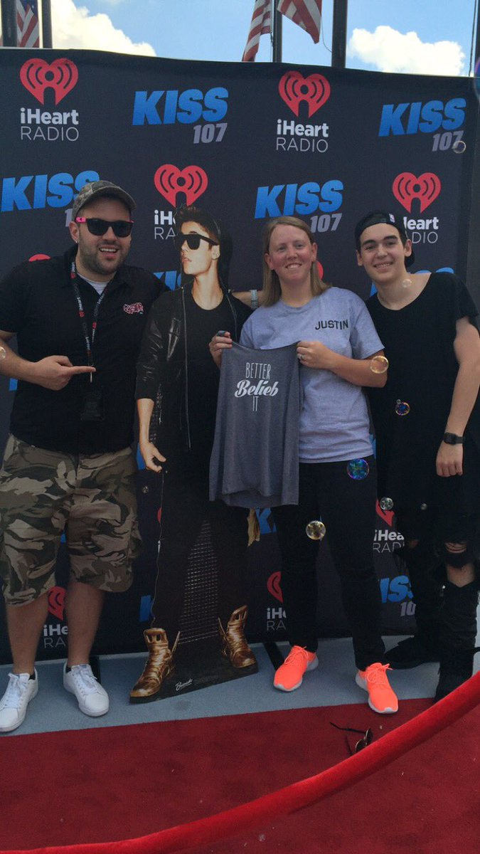 Kane Show is in the house!!! We're ready to see @justinbieber #JustinBieber https://t.co/TI0lC7HABW