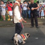 HE BROUGHT HIS DOG TO GRADUATION 😭 https://t.co/4zm87rns8X