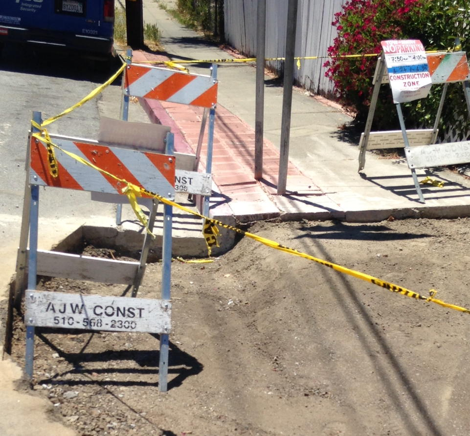 Bad news: the Rose/Prospect curb is gone after 45 years of recording Hayward fault creep https://t.co/O4GwiURrHB
