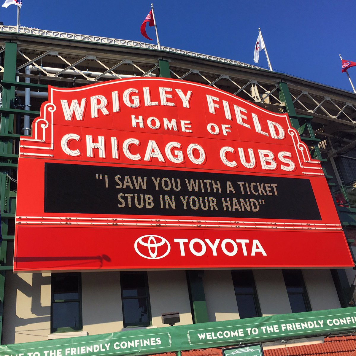 wrigley field chicago #phish - RT @andygadiel https://t.co/ZHSzrRfmew