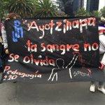 Movilización magisterial en repudio a represión en #Oaxaca en estos momentos en #CDMX https://t.co/CNNN9slxu8