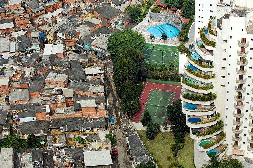 サンパウロにおける貧富の差RT @wilreynolds:  https://t.co/H5prvNsUSS