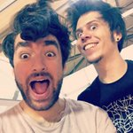 Oliver intentando ponerse el pelo como yo xD @OliverHeldens https://t.co/wMbTUfQRsW