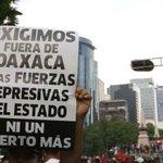 Marcha la CNTE e intenta llegar al Zócalo, pero la frenan de nuevo (Fotos) https://t.co/YHVSEbcOO4 https://t.co/dIZlXGnaRX