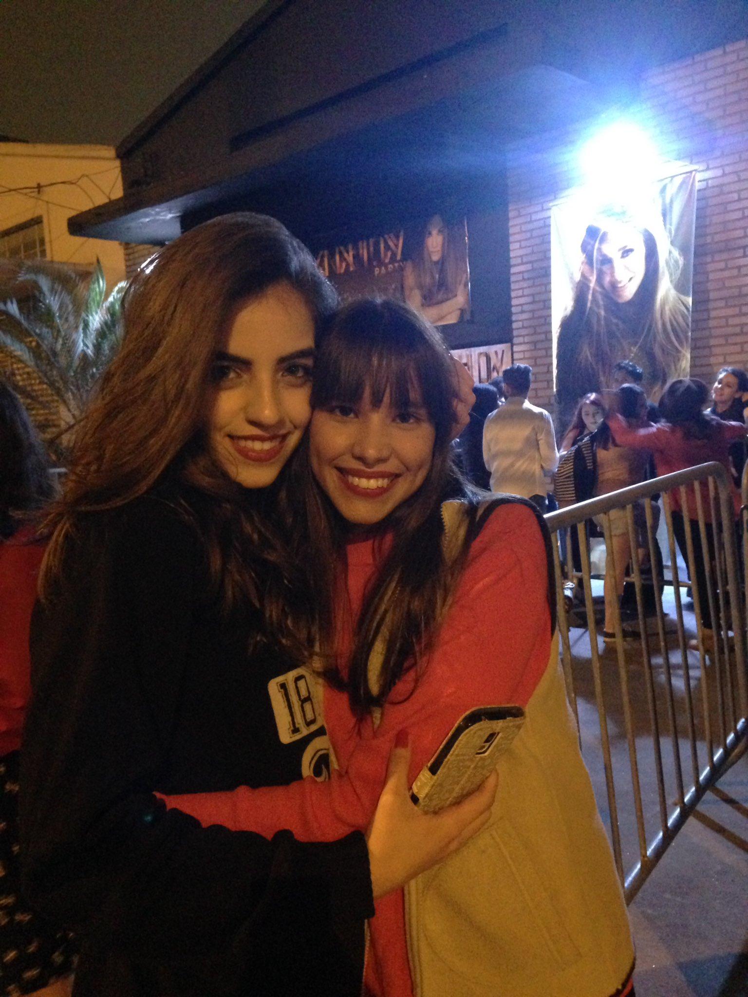"""""""@anyhartona: @Anahi yo y @AnahiMidia listas para @anahidayparty !!!!! ❤️���� https://t.co/5I3fY60sE8"""" HERMOSAS !! ����"""