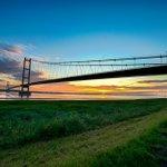 Humber Bridge Sunrise 4:30 am this morning @hulldailymail @Hull_Yorkshire @LincsEcho https://t.co/yfoJaBUjTP