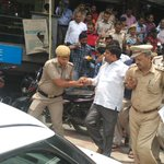 #NSGKaBadla Pic1,2,3 goons r free... Pic4 Aap MLA arrested.. https://t.co/xkn1psGcy6