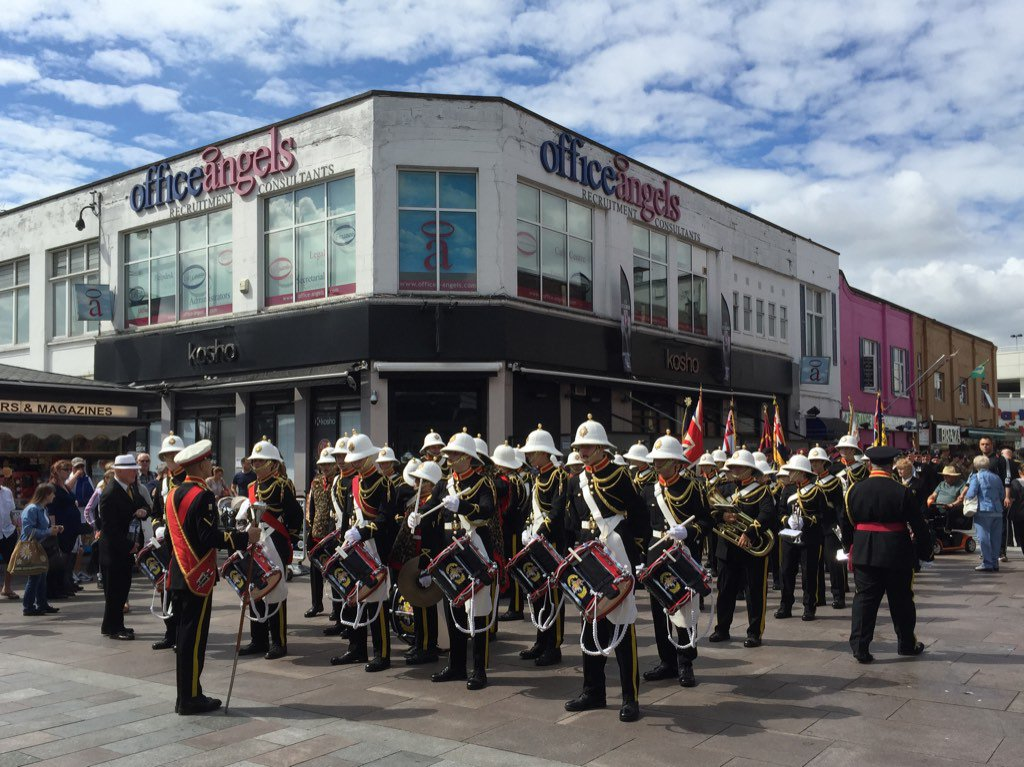 Armed Forces Day Parade, Romford. Until the last photo, the scariest thing was the Brownies bringing up the rear. https://t.co/GX5JmBT7L9
