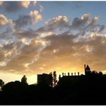 Stunning #sunset shot by Alex from #AvenhamPark overlooking #Preston 😍. See more at https://t.co/8rPXF588lh https://t.co/Ok402VVqUF