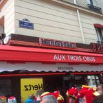 @FAWales Im here now 1 ticket maybe 2 available #TogetherStronger #WALNIR #paris #euro2016 @Wales2016Camp https://t.co/9YovqYlsRi