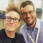 felt genuinely gleeful when i bumped into @johngreen at #vidcon - happy to call him a friend. ???? https://t.co/9L4aPG8pUx