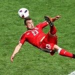 Video : Switzerland's (@XS_11official) Incredible Overhead Kick #SUIPOL #Shaqiri #EURO2016 https://t.co/doLhvm84nC https://t.co/Imyjs8csYt