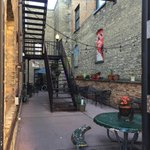 Red Raven Espresso Parlor has one of the quaintest patios in Fargo-Moorhead. #northofnormal #ilovefargo https://t.co/WtfRCtKPLC