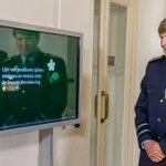 Koning bezoekt #Veteranendag. Hij woont medailleceremonie bij, onthult het herdenkingsmonument en neemt defilé af https://t.co/Sb4RHHYwZI