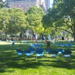The Battery Oval is now open. 3 acres of lawn under majestic trees with 125 movable chairs. @nycparks #NYC https://t.co/CFMI9FrrNi