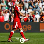 """""""Note to Arsene Wenger - do NOT put Granit Xhaka on penalties"""" - @AliBruceBall His penalty was only miss of #SUIPOL https://t.co/vgRfJuyj7x"""