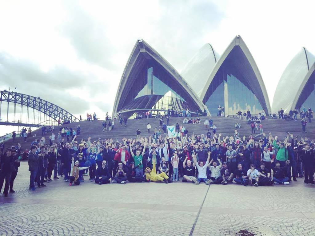 Thousands turned out for today's #PokeGOwalk in Sydney, Amazing! https://t.co/G2kLvonn23 https://t.co/AD5pnC3JgZ