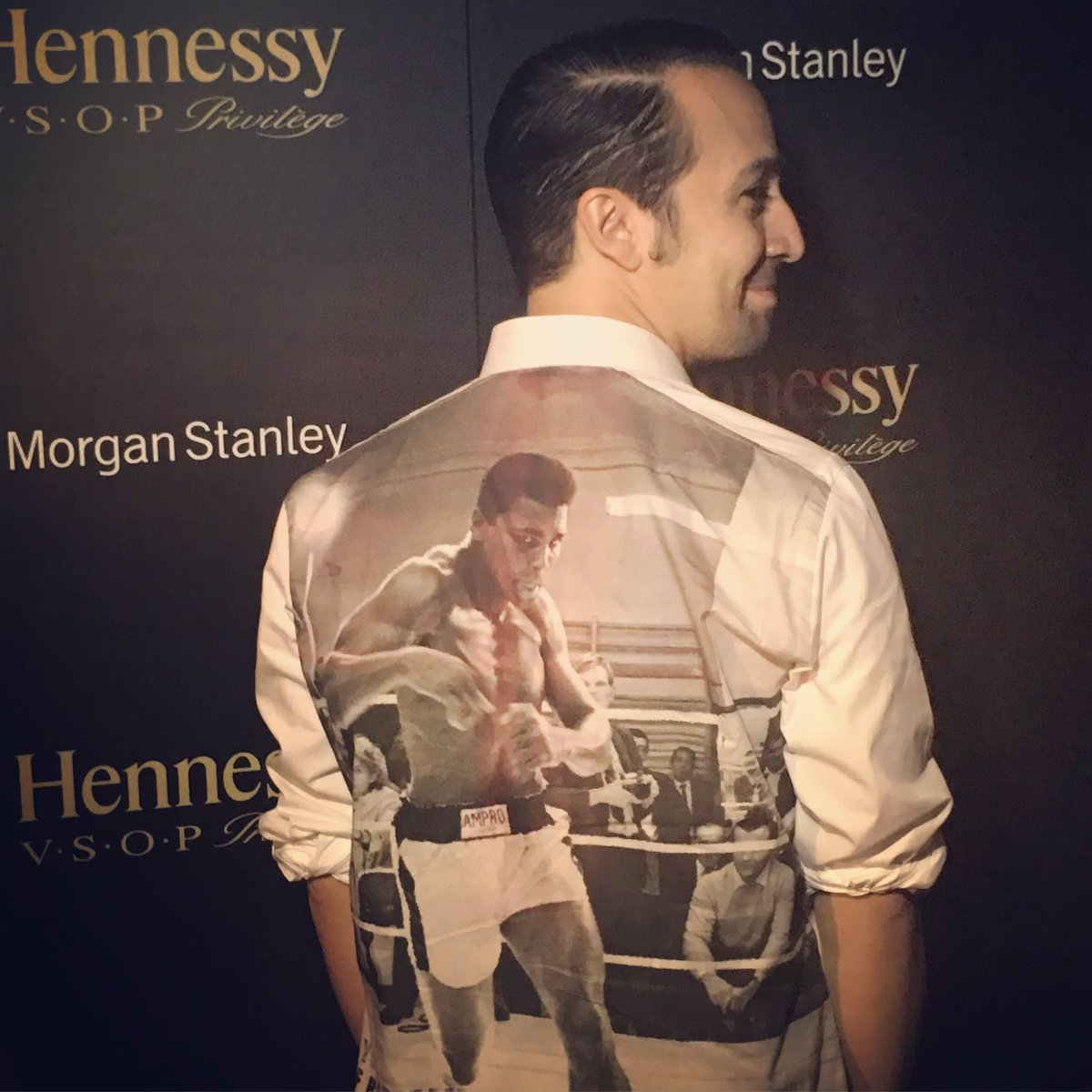 Lin-Manuel Miranda's short new haircut. #HamiltonMusical #AfterLinAfterParty https://t.co/Lq8P7AwLJI