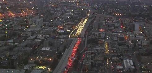 The #Oakland highway shutdown tonight is a beautiful thing. #AltonSterling  #PhilandoCastile https://t.co/WKsrjDMxV6