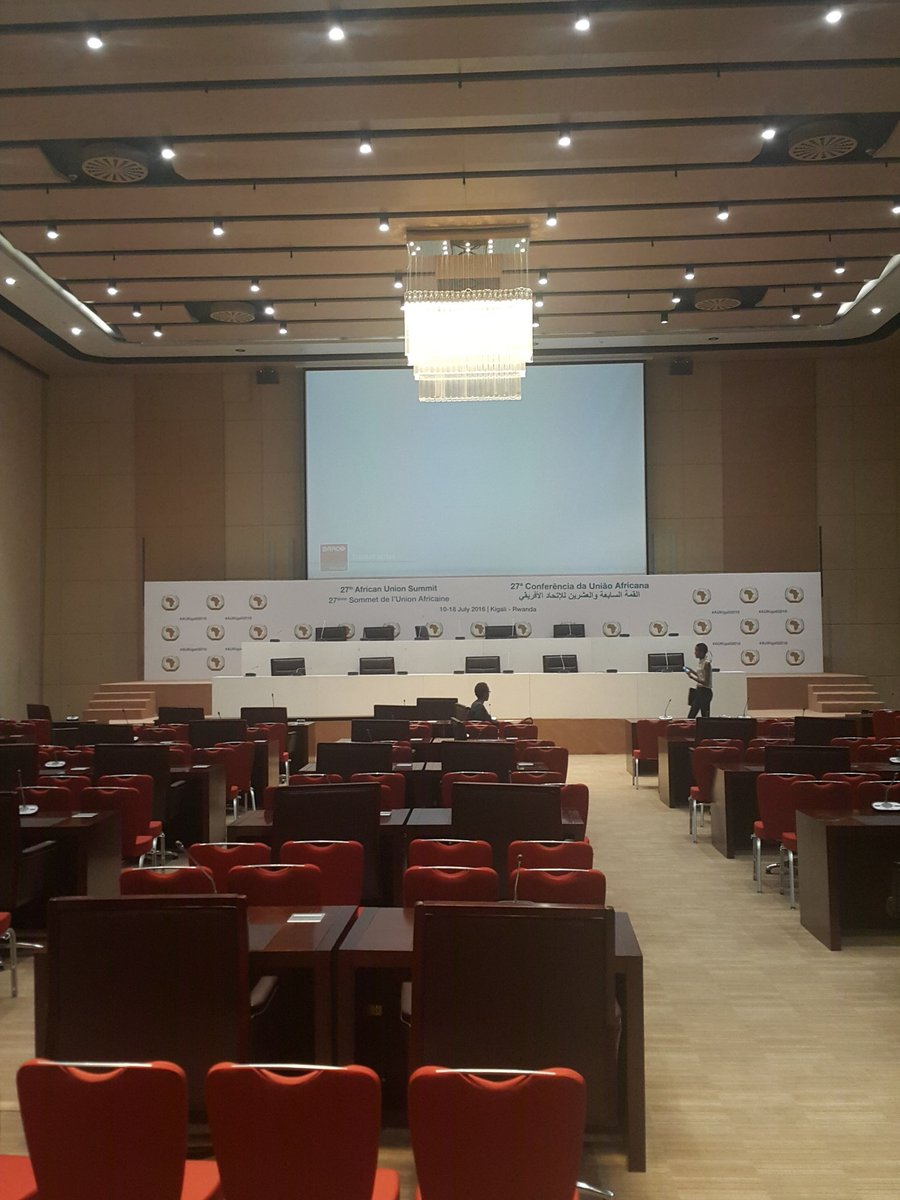 Presidential meeting room #kigaliconvention #kcclaunch #myafrica #rwot https://t.co/EVjtfGELBF