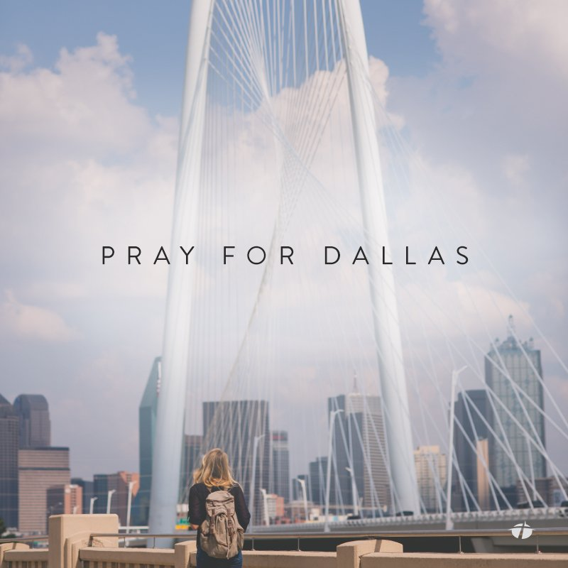 Praying for our home city today and the nation. #PrayforDallas #Dallas #prayforAmerica https://t.co/GbeoNavhoB