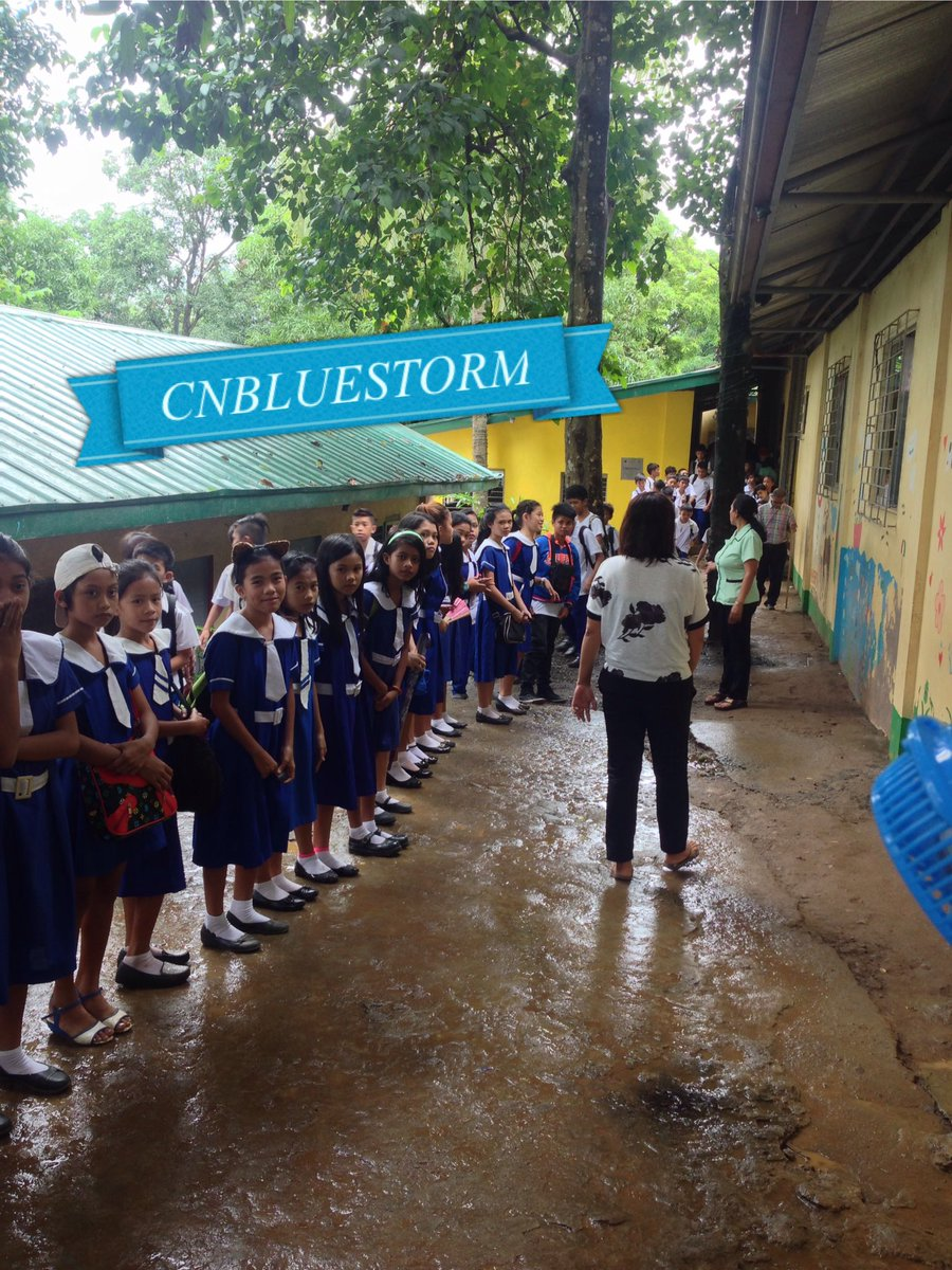 [❤️] These are the children studying in CNBLUE School Philippines. As of now, they have more than 500 students. :) https://t.co/q9Uq7qFcox