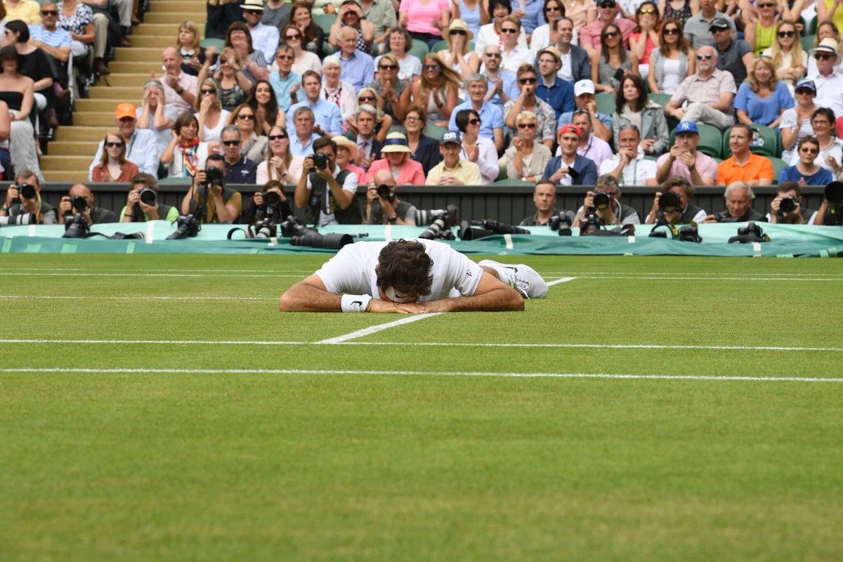 Why do we fall, Mr. Federer? So we can learn to pick ourselves up. Rise and shine @rogerfederer love you. https://t.co/Qkz8swFxnl