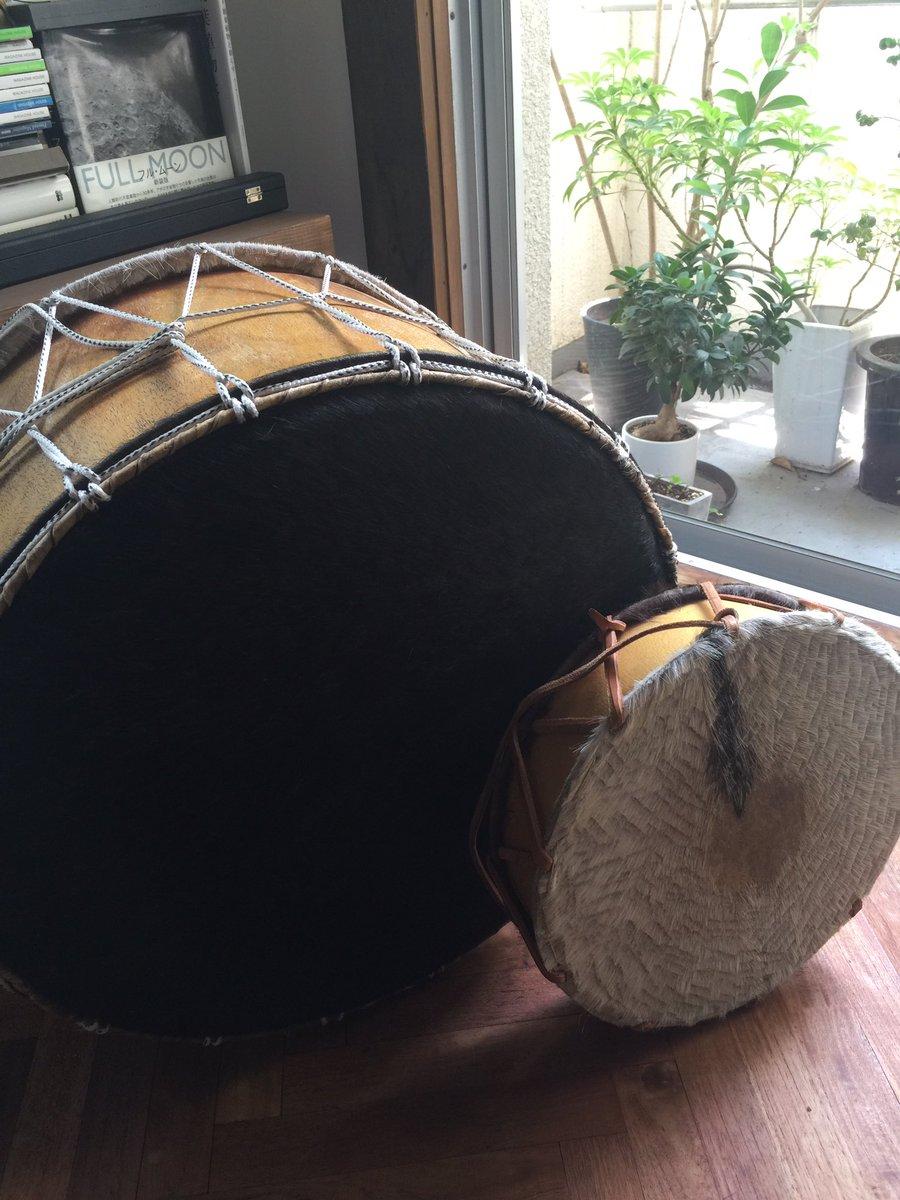 「アルデラミン」で使用した大太鼓系はこんなやつ。アルゼンチンとイタラケの工房への特注品です。ファンタジーの戦記モノといっ