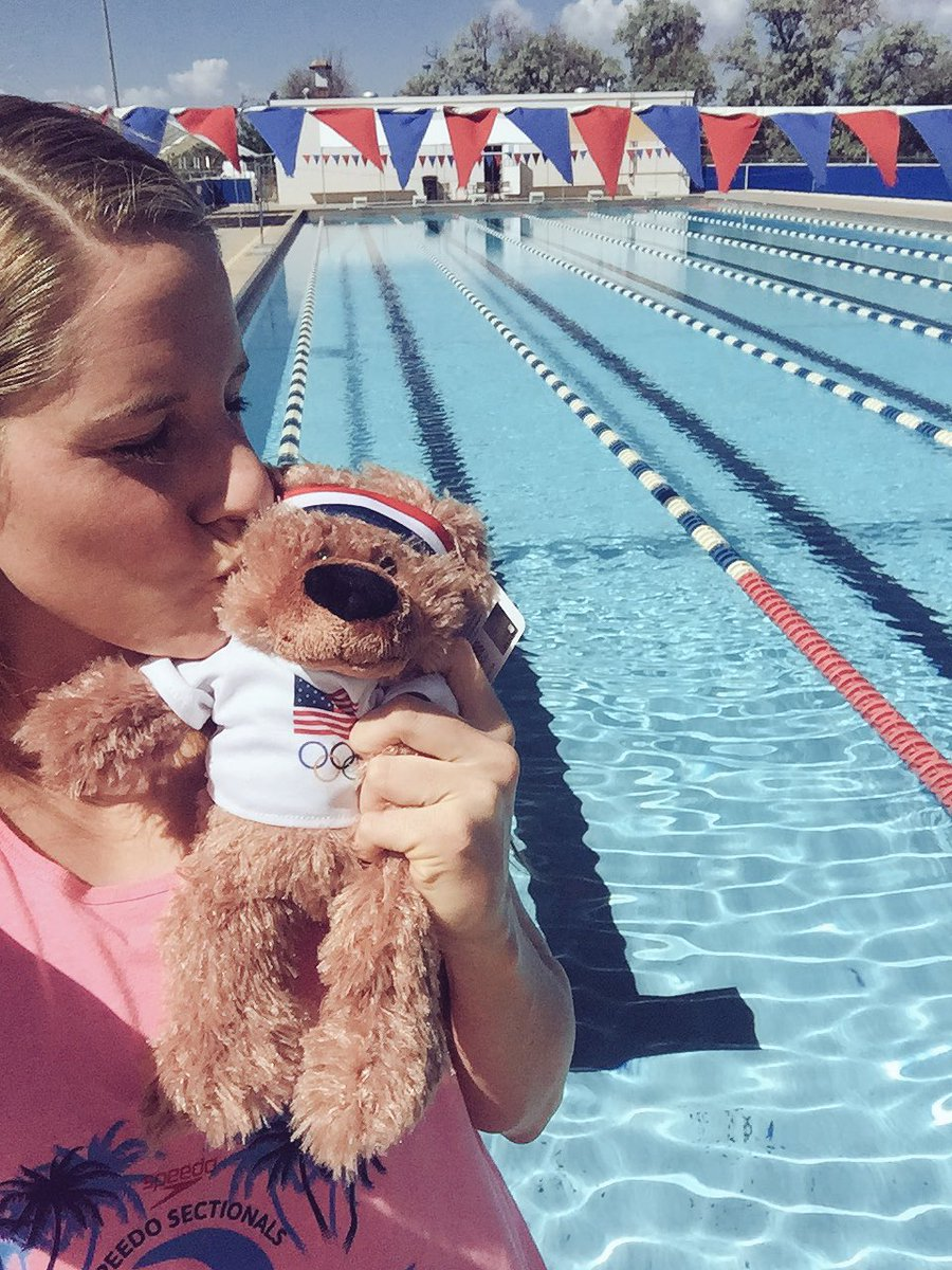 RT @missyfranklin: A pool selfie with my BenFlyin bear! Each bear sold supports TeamUSA hopefuls! @United https:/…